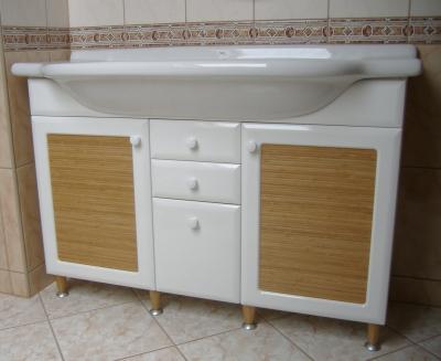 Bambuszbetétes fürdőszobaszekrény