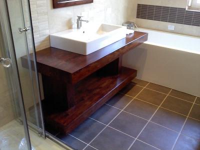 Tömörfa mosdópult